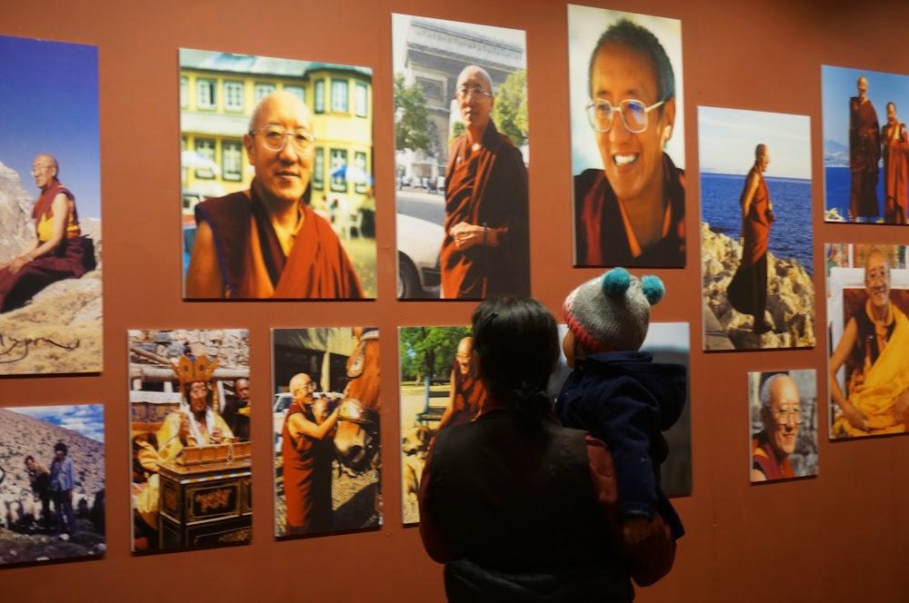 Wystawa zdjęć Kjabdzie Kalu i Bokara Rinpoczów