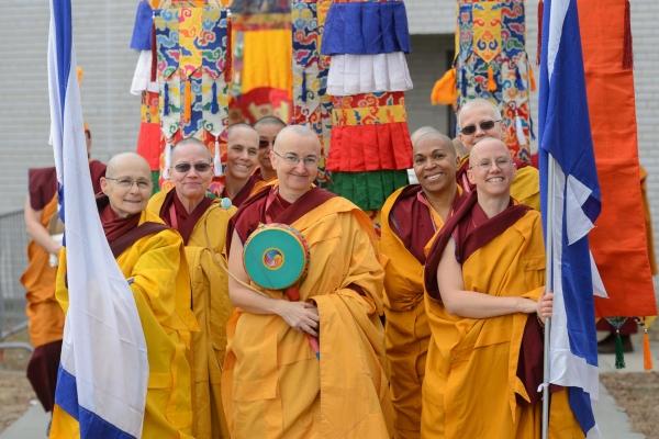FilipWolak_KarmapaFeb5_0028_3613-600x400
